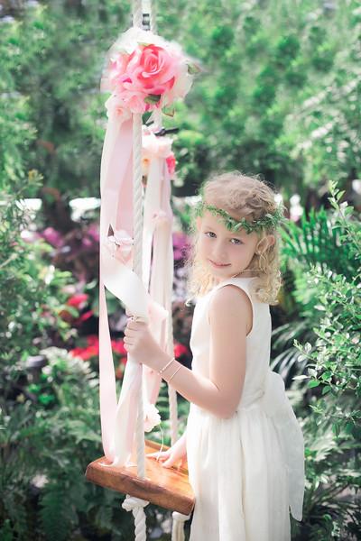 Lia Kate swing
