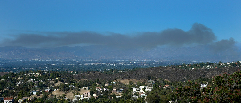 . Aug 22,2014, Van Nuys . CA. A huge cloud of thick smoke is seen over the San Fernando Valley from a  8-10 acres brush fire that was burning in the Sepúlveda basin Friday afternoon. Photo by Gene Blevins/LA Daily News