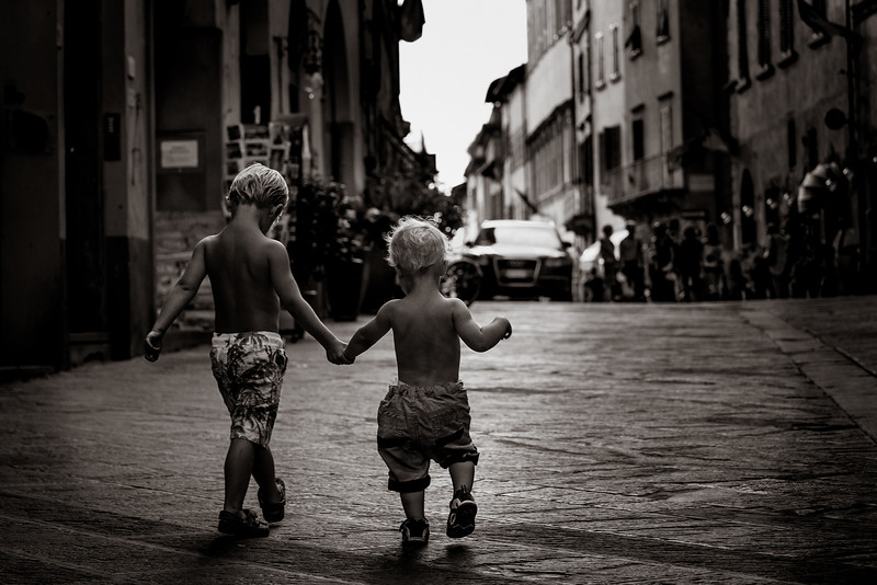 walking together black and white 2200px.jpg