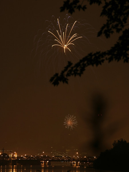 fireworks_14_07042007.jpg