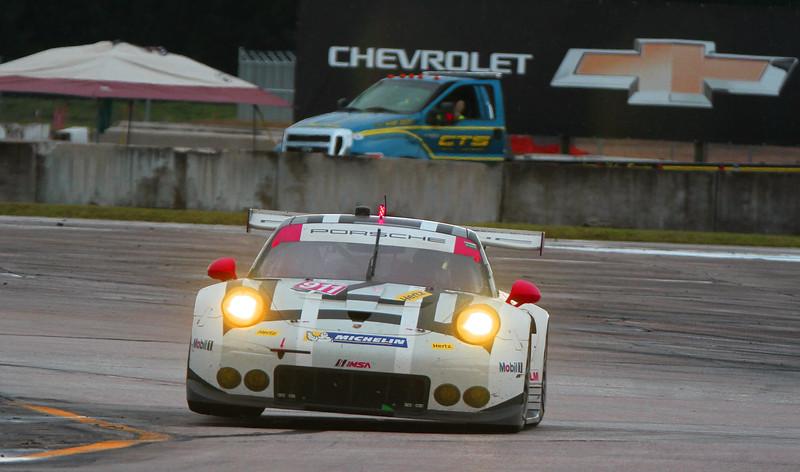 6044-Seb16-Race-#911WheelUpCrop.jpg