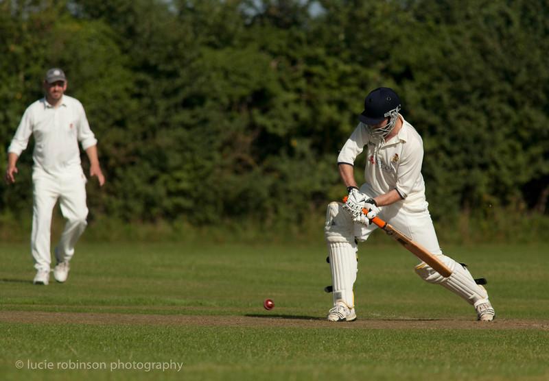 110820 - cricket - 291-2.jpg