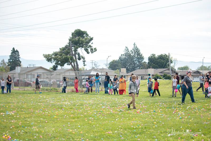 Community Easter Egg Hunt Montague Park Santa Clara_20180331_0097.jpg