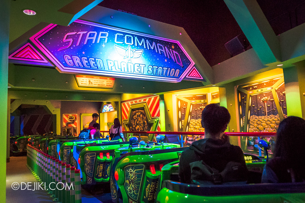 Hong Kong Disneyland Buzz Lightyear Astro Blasters Last Mission - Ending Scene, Unloading at Star Command, Green Planet Station