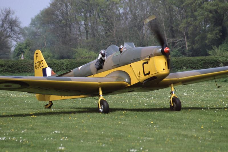 G-AJRS-MilesM14AHawkTrainer-RAF-EGTH-2001-05-10-JY-24-KBVPCollection.jpg