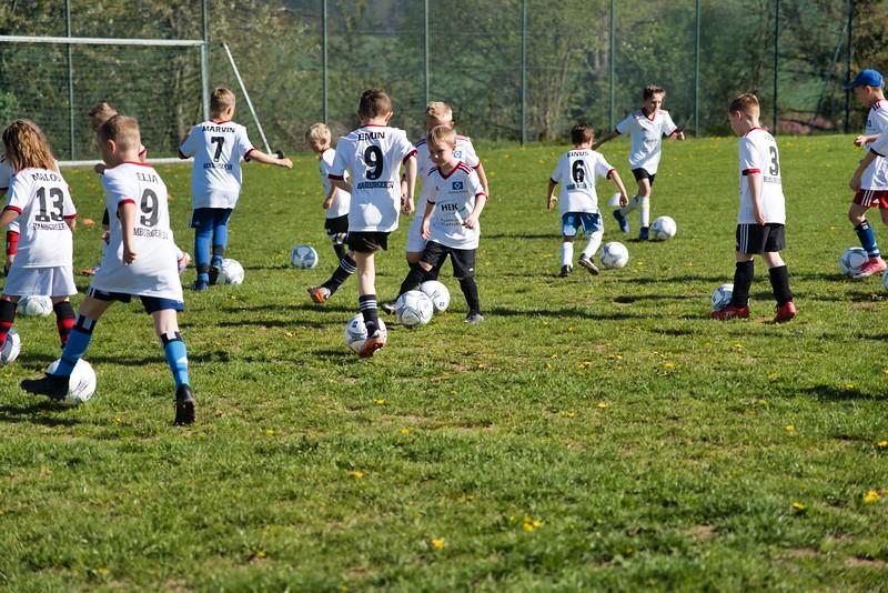 hsv-fussballschule---wochendendcamp-hannm-am-22-und-23042019-c-17_32787652357_o.jpg