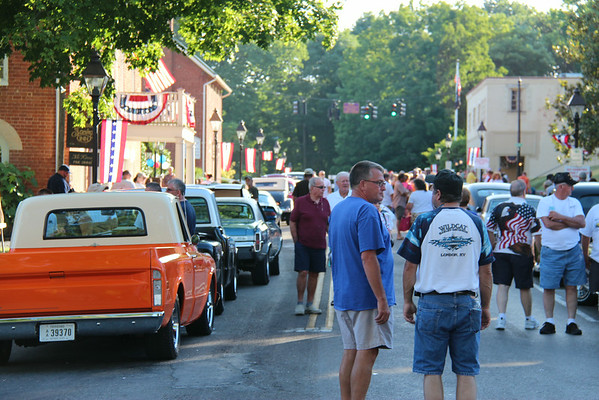 2014 Chamber's Cruise-In, Crowds and People, July