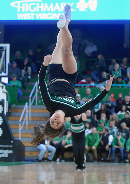 cheerleaders2094.jpg