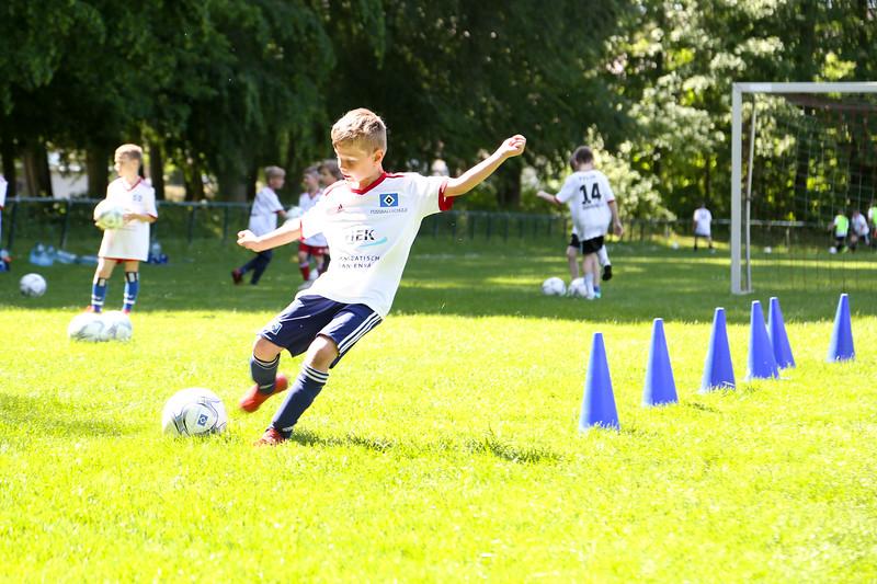 hsv_fussballschule-465_48047957136_o.jpg