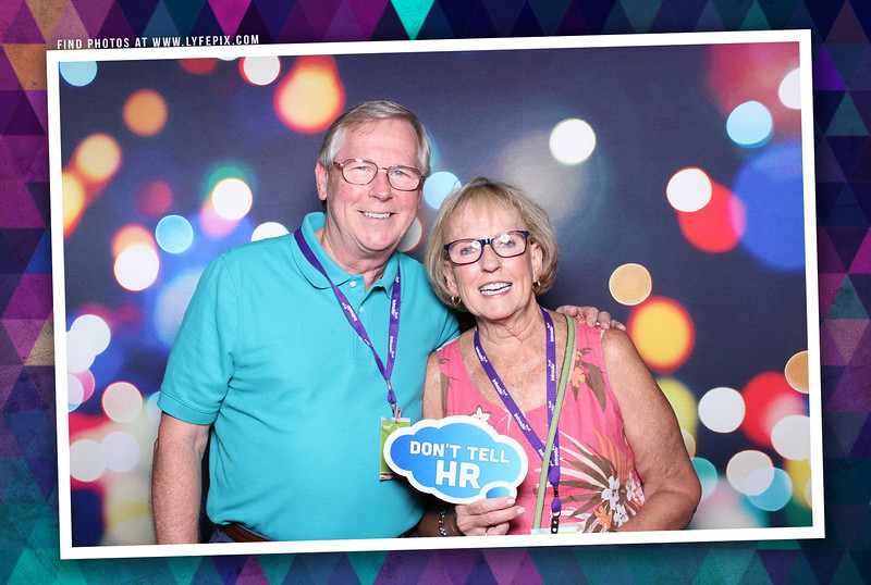 schoolmessenger-nspra-newseum-dc-photo-booth-184341.jpg