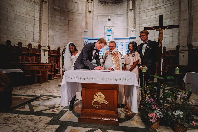 Montreal Wedding Photographer   Wedding Photography + Videography   Ritz Carlton Montreal   Lindsay Muciy Photography Video  2018_569.jpg
