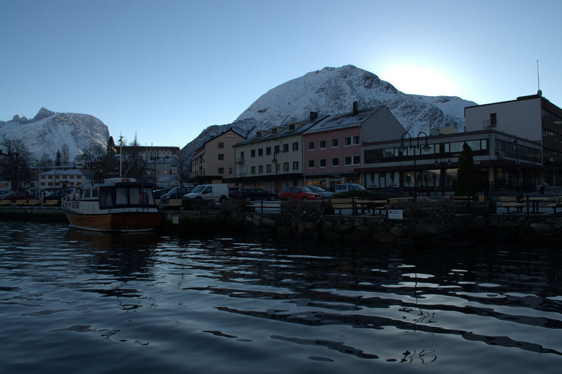 andalsnes town and boat.jpg