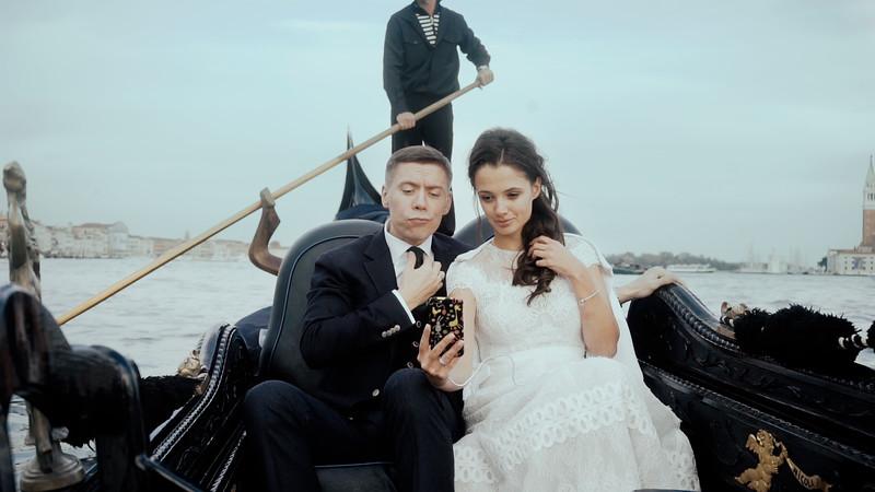 Tu-Nguyen-Destination-Wedding-Photographer-Elopement-Venice-Italy-Europe-w76a10.jpg