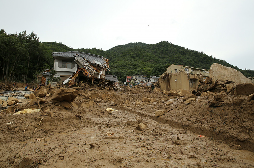 . An area damaged by a landslide caused by torrential rain at the site of a landslide in a residential area on August 20, 2014 in Hiroshima, Japan. (Photo by Buddhika Weerasinghe/Getty Images)