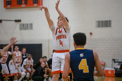 HS Sports - Boys Basketbal - Crestwood at Dearborn Distirct