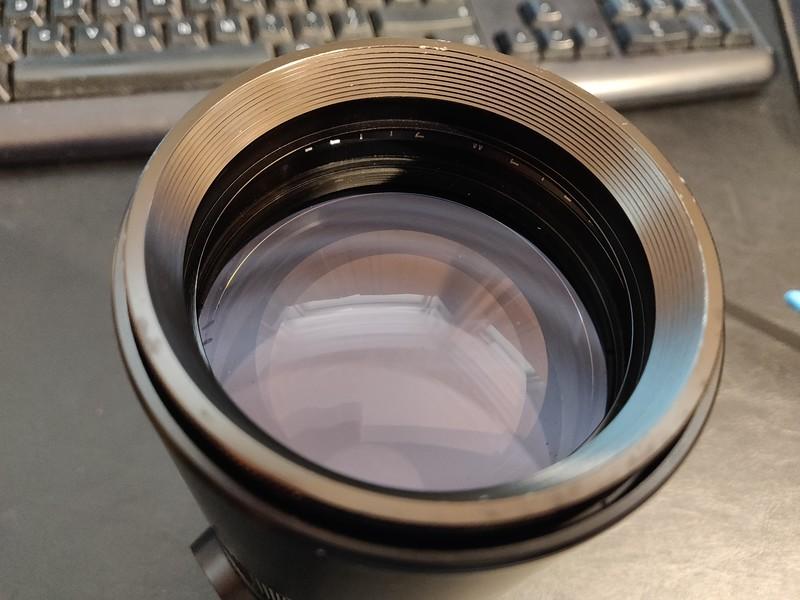Leica R 180mm 2.8 Elmarit-R I - Serial 2249304 005.jpg