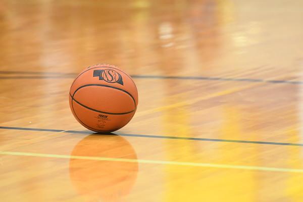 Varsity Girls Basketball vs Seward