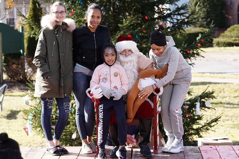 Santa In The Park 20199995.JPG