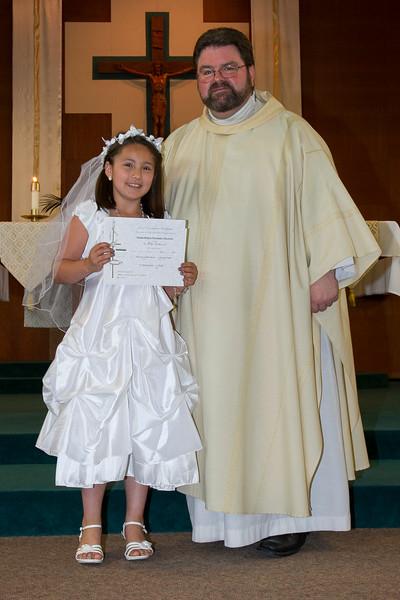 Communion Hispanic-9143-29 4X6.JPG