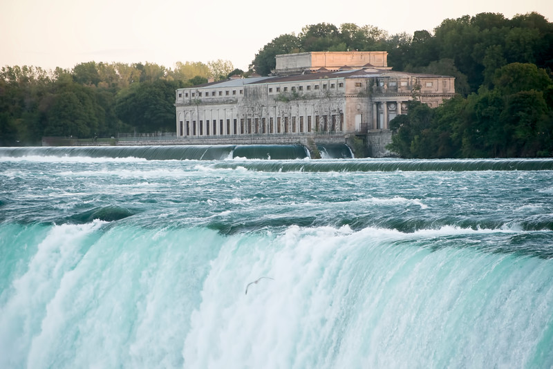 Took this view of the Niagara River, at Niagara Falls, Canada starting to flow over and down the Horseshoe Falls on 27/9/15.