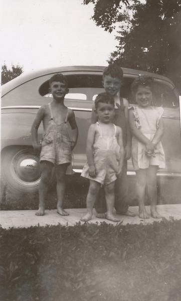 Keith, Eddie, Bob & Sharon 1947.jpg