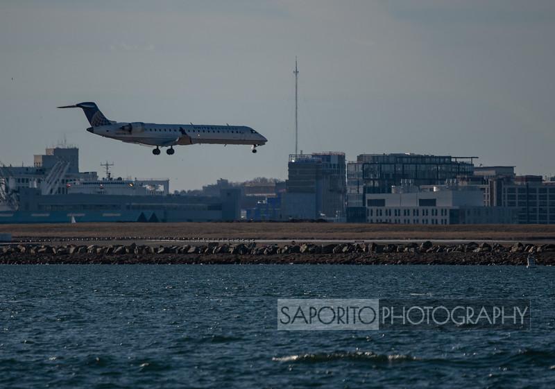United Express CRJ-701