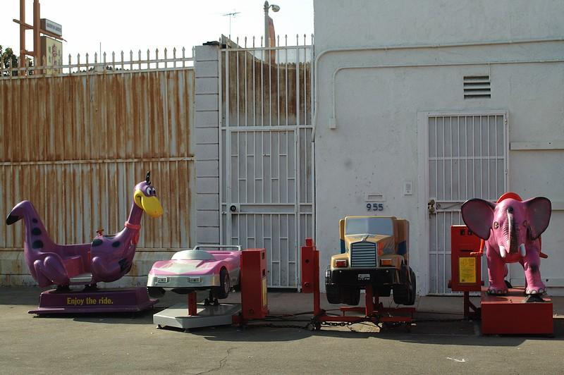 ChinatownCentralPlaza009-KiddieRides-2006-10-25.jpg