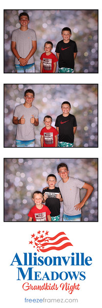 Freezeframez_Photo_Booths_021.jpg
