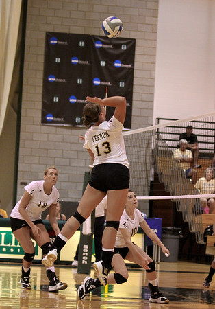 College - Volleyball
