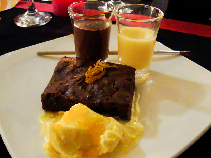 maxs-supper-club-chocolate-brownie-with-orange-ice-cream_5769499149_o.jpg