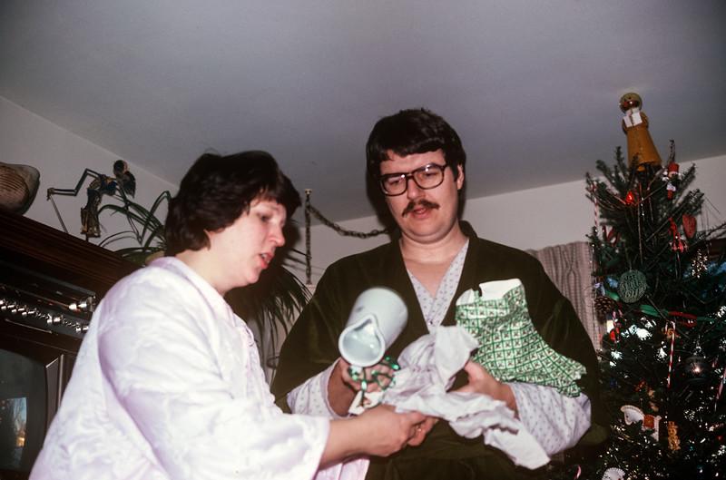 1980-12 Sue & Chuck Broad Christmas.jpg