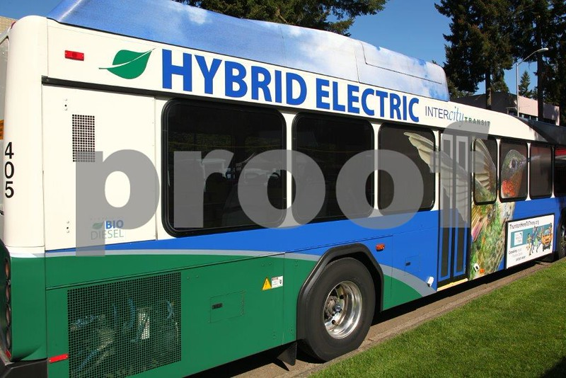 Hybrid electric bus 9907.jpg