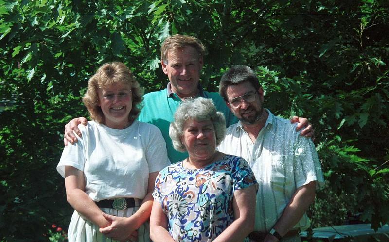 1992 Christmas. Susan, Graham, Mary & Ewan.jpg