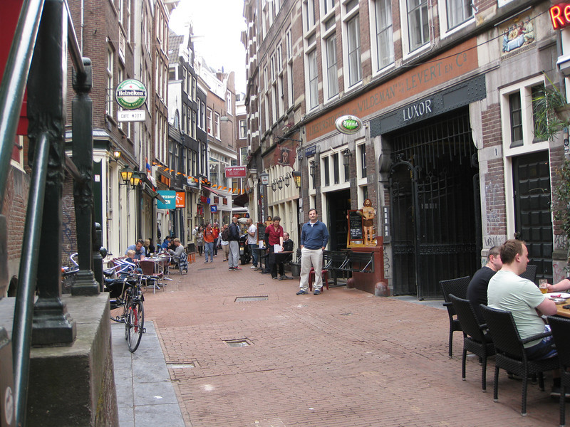 Same alley way where 2005 picture made