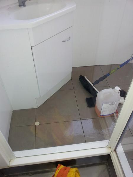 shower clean after.jpg