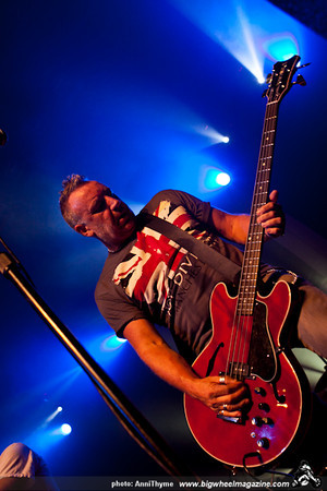Peter Hook & The Light - at The Music Box - Los Angeles, CA - September 14, 2011