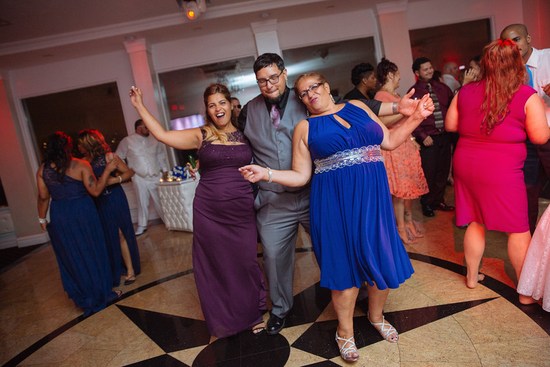 MER__1072_tonya_josh_new jerrsey wedding photography.jpg