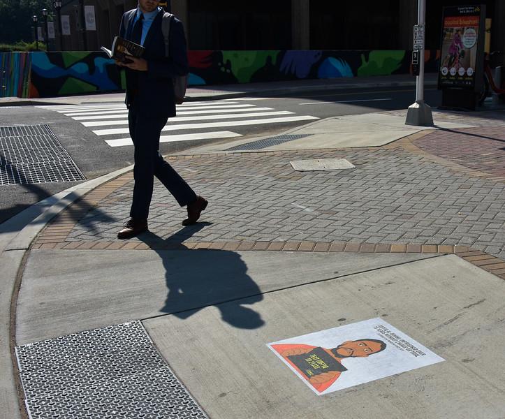 GoG amnesty sidewalk 1500-70-4926.jpg