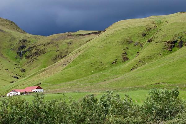 Iceland-Seljelandsfoss