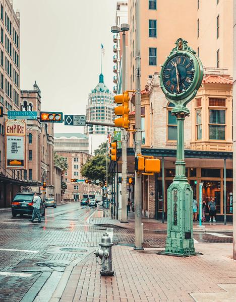 Clock on houston SA.jpg