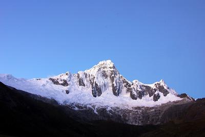 Paisajes Montañosos y  Lacustres