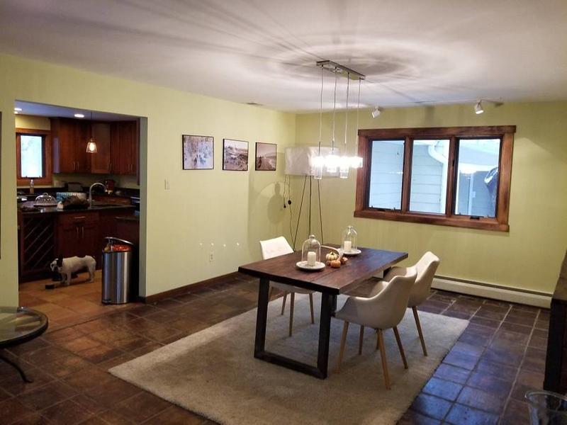 Tomas - Dining Room c94a2c36-ab15-418f-a540-eed9b9617c75.jpg