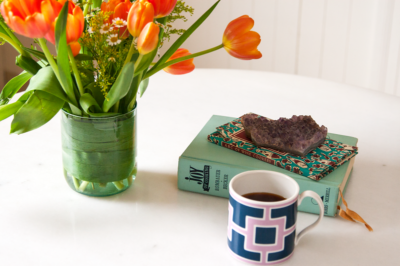 Tulips_Books_CoffeeCup_MG_0082.png