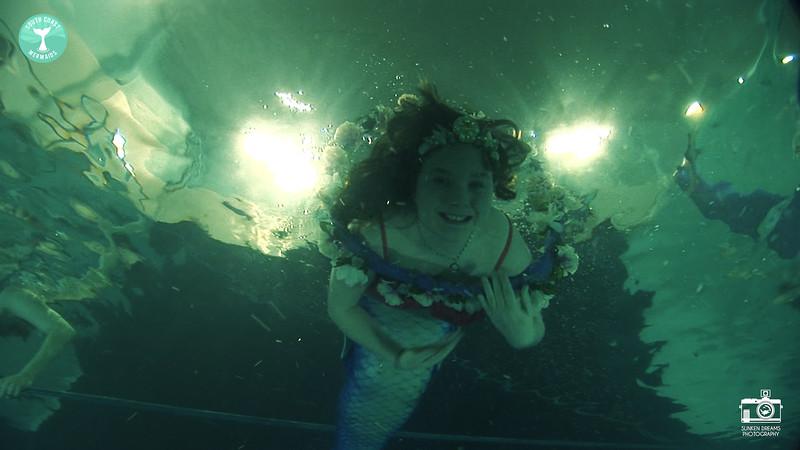 Mermaid Shoot DPS -Cuts.01_08_11_00.Still020.jpg
