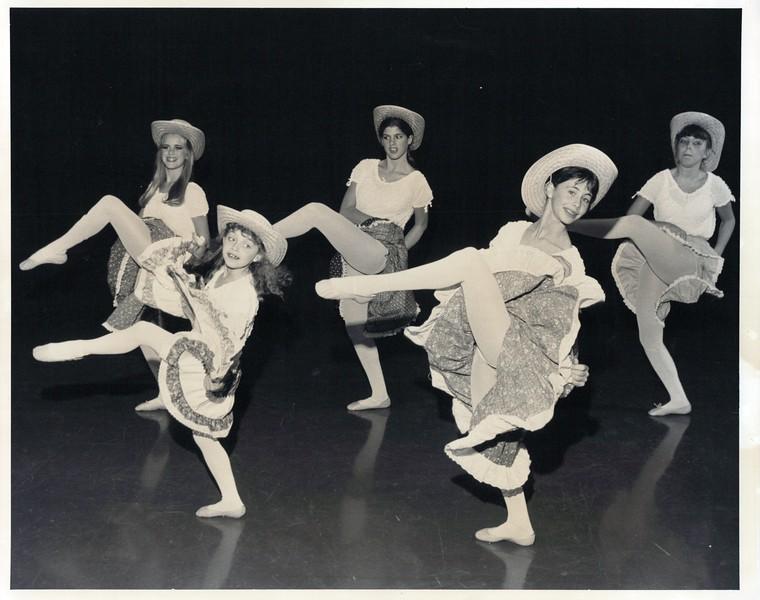 Dance_0857_a.jpg