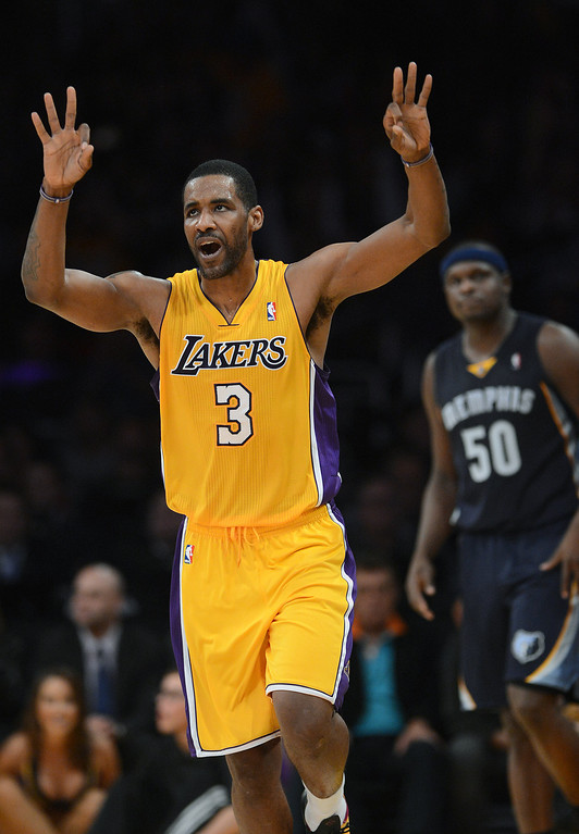 . The Lakers� Shawne Williams #3 reacts after making a basket during  their game against the Grizzlies at the Staples Center in Los Angeles Friday, November 15, 2013. The Grizzlies beat the Lakers 89-86.  (Photo by Hans Gutknecht/Los Angeles Daily News)