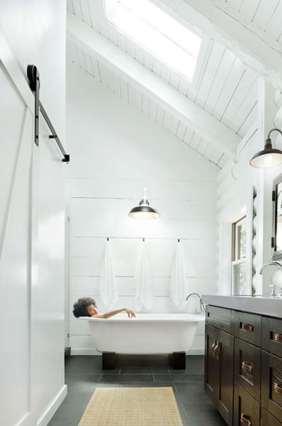Trinette Farmhouse Bath.png