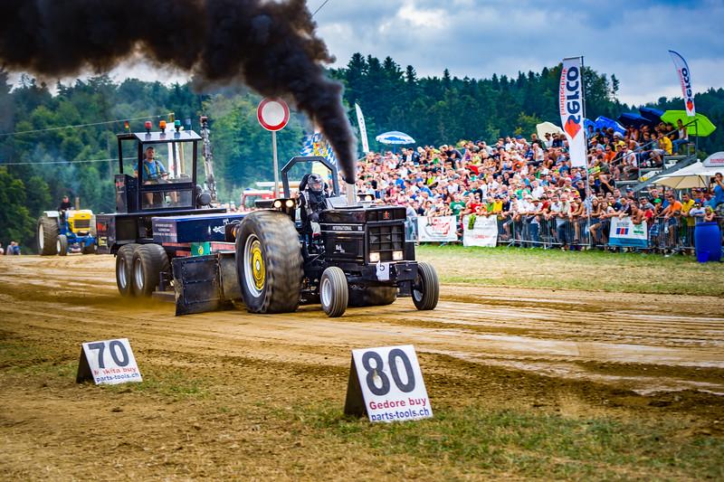 Tractor Pulling 2015-02490.jpg