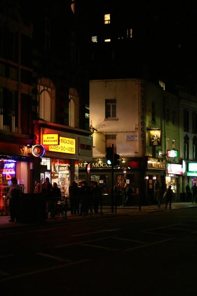 london-at-night_2125611988_o.jpg