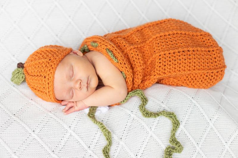 Beckett Newborn-48.jpg